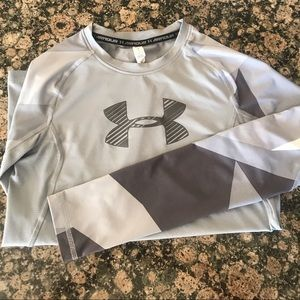 Under Armor youth Heat Gear long sleeves shirt